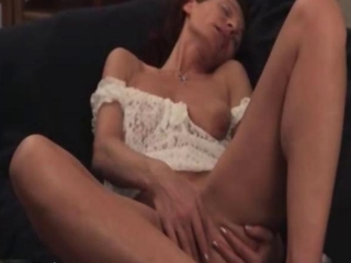 Off colour mature whore goes crazy fingering