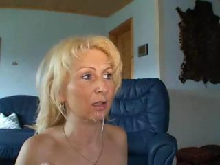 Amateur Blonde Cumshot Homemade MILF Swallow