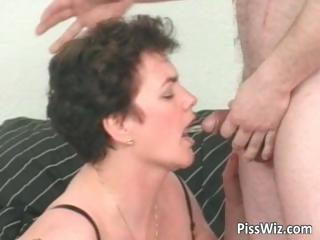 Mature slut sucks cock and get pissed part6
