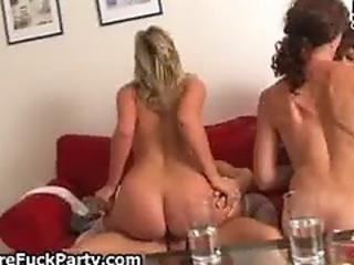 Horny Experienced Mature Moms Fu...
