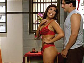 Sexy brunette London Keyes gives a tongue lashing and gets a pussy bashing