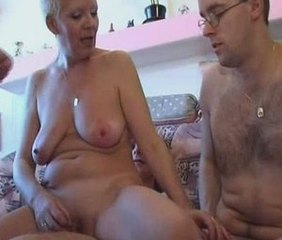 Amateur Mature Mom Old and Young SaggyTits