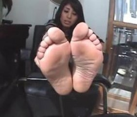 FF24 Hispanic Plump Luscious Soles