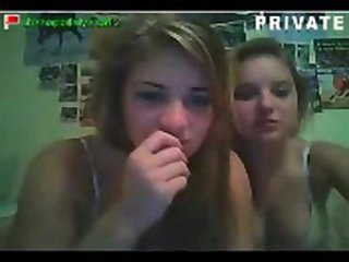 2 girls on cam