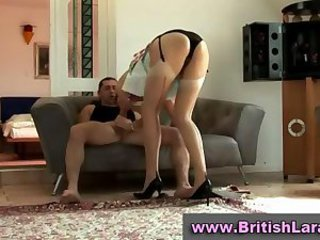 Mature british lady in stockings licked by hairy guy