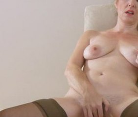 Amateur Masturbating Mature SaggyTits Solo