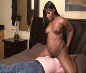 Chubby Ebony Facesitting Interracial MILF