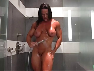 Nuriye shower