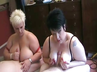 Two hot British BBWs