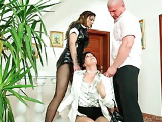 Latex french maid and couple piss on each other tubes