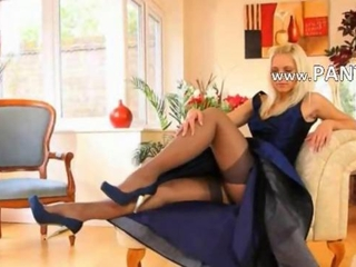 Blue shoes and downcast spread out and stockings