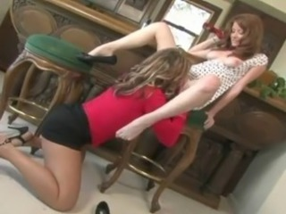 lesbo mom and girl
