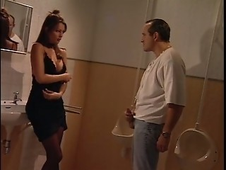 Italian Babe hold a guy in the toilette