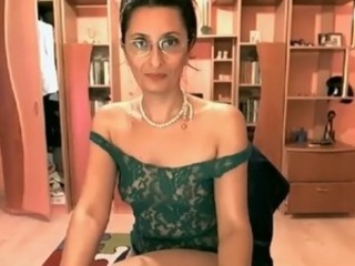 webcam beauty mature show and spread hairy pussy and asshole