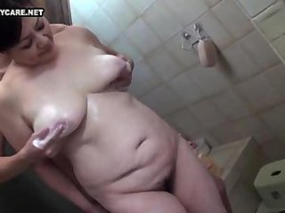 Asian Bathroom Chubby Japanese Mature SaggyTits