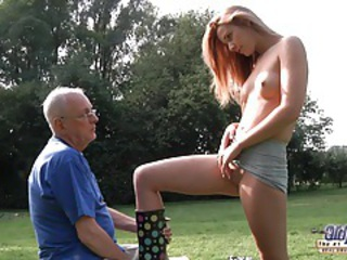 Babe Daddy Daughter Old and Young Outdoor