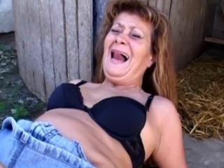 Anal Farm Hardcore Mature Outdoor
