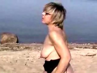 Amateur Beach Mature Outdoor SaggyTits