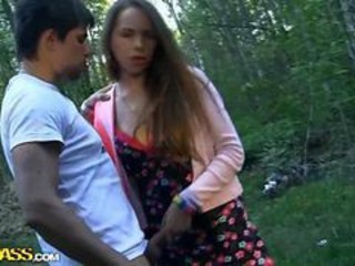 Amateur Girlfriend Handjob Outdoor Teen