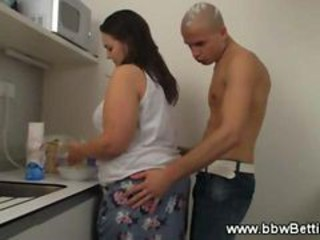 "Bbw Gets Wet And Hot While Cooking In Kitchen"" target=""_blank"