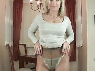 mature alla into nylons expose