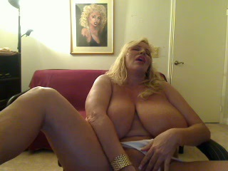 BBW Big Tits Masturbating MILF Natural SaggyTits Webcam