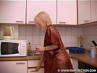Kitchen Mom Russian