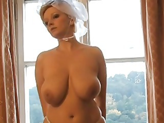 sweet bleached woman bride photoshoot