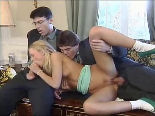 Babe Blowjob Threesome