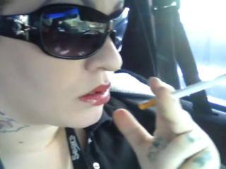 Punky Girl - SMOKES in a Car