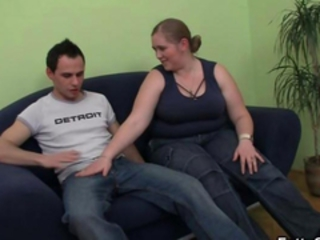 Cock hungry fatty takes it from behind Stream Porn