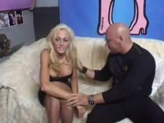 Dutch PornWhore Played with 2 dicks