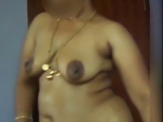Amateur Chubby Indian SaggyTits Wife