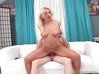 Gorgeous shaved pussy fucked in a cock ride tubes