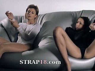 women in pantyhose fucking with strap on Sex Tubes