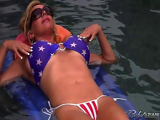 Amazing Bikini MILF Outdoor Panty Pool