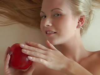 Naked blonde and apples pose together tubes