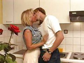 Kissing Kitchen MILF