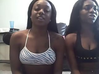 2 Black Country Ghetto Girls Shake Huge ASSES - Ameman