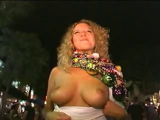 Flashing at Fantasy Fest 2002 pt1