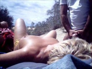 """A stranger came to us in Maspalomas dunes"""" target=""""_blank"""