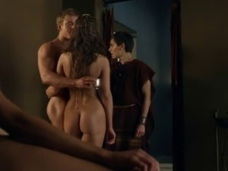 Ayse Tezel and unknown actress - Spartacus s4e06