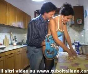 An italian housewife fucked while she's cooking pasta