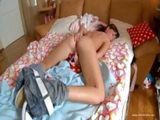 Amateur European Masturbating Teen Toy