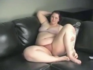 """Milla Monroe Stuffing Her Chubby Vag With A Vibrator"""" target=""""_blank"""