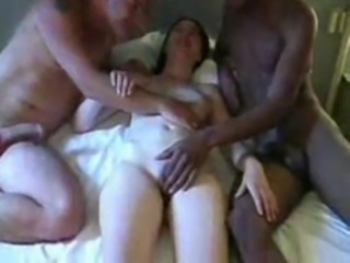 Amateur Girlfriend Interracial Threesome