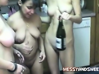 Amateur Drunk Lesbian Mature Old and Young SaggyTits Teen