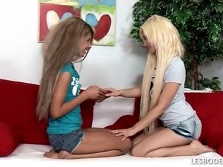 Lesbians Suck And Fondle One Ano...