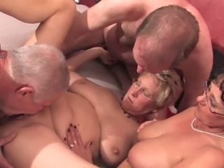 Amateur Groupsex Licking Mature Older SaggyTits Swingers Wife