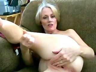 cougar blonde inexperienced melanie slur[s on